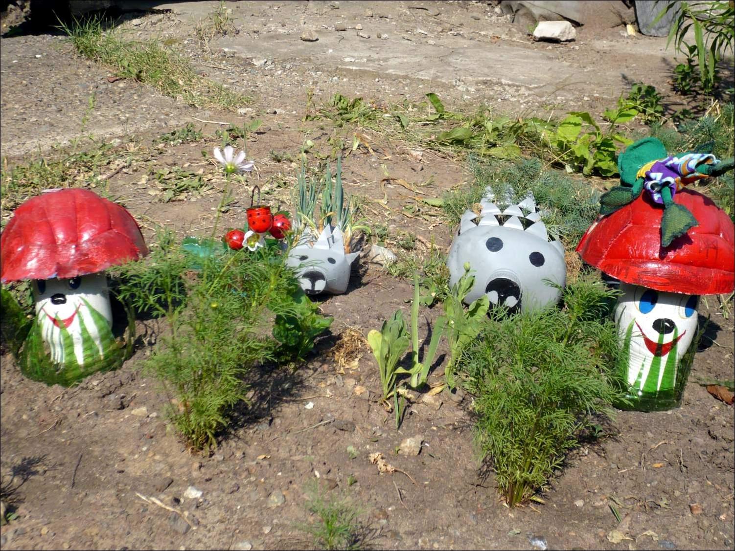 Поделки из пластиковых для сада и огорода 128