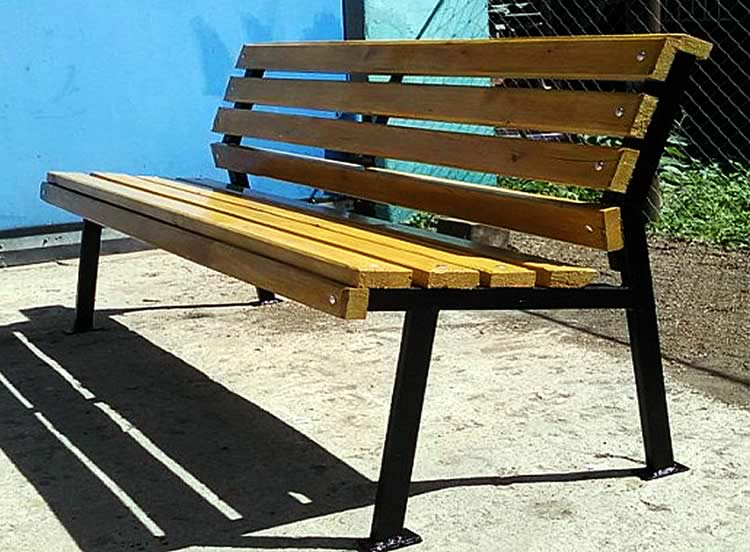 Фото скамейки из профильной трубы своими руками